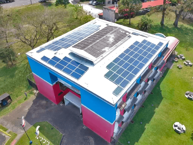 Centro Cultural instala 108 Paneles Solares con Enertiva